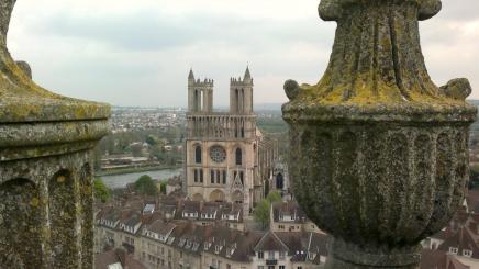 La collégiale vue de la tour St Maclou